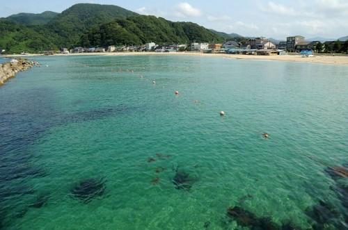 透明感バツグンのきれいな海!
