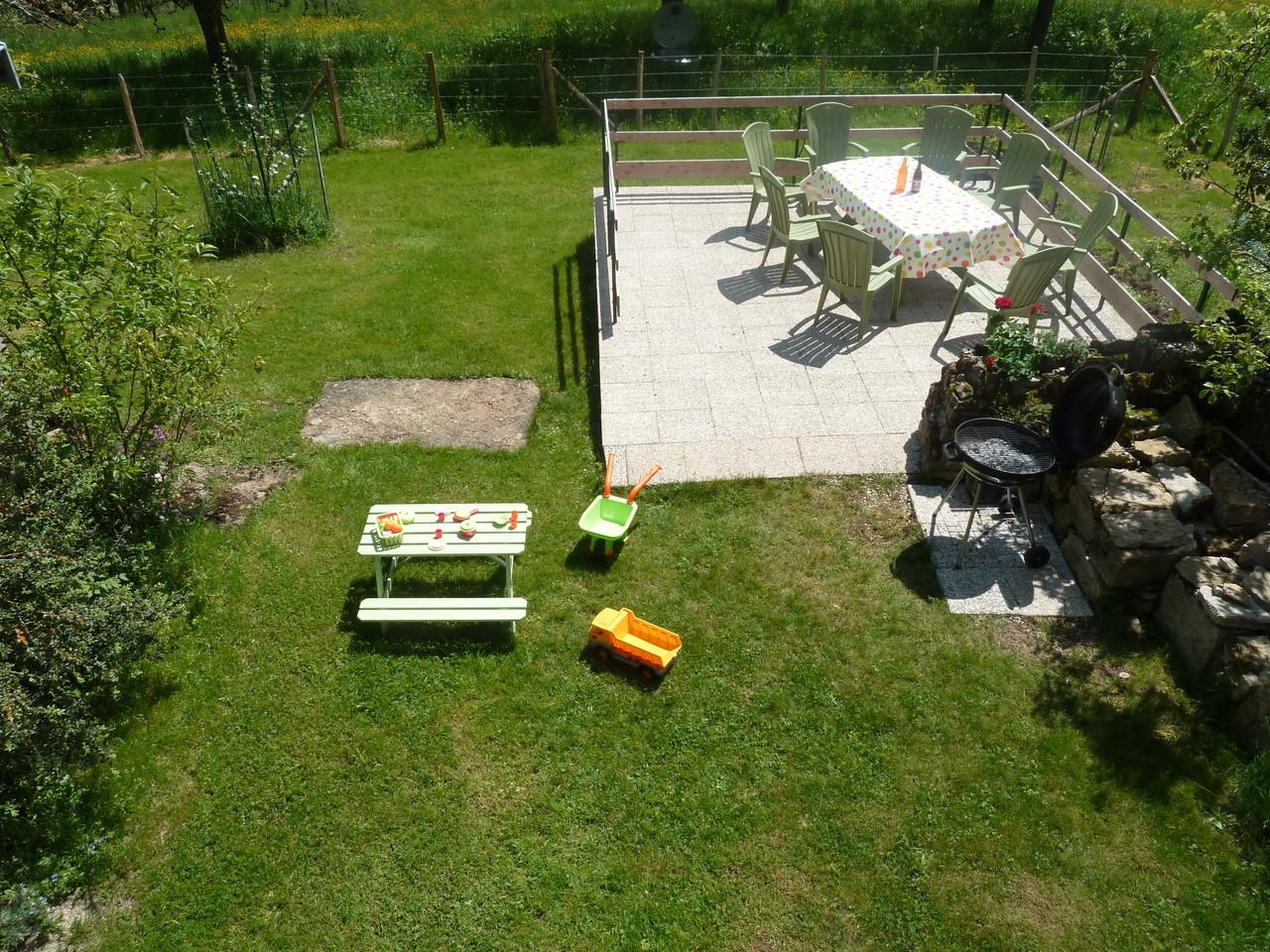 La terrasse et le barbecue