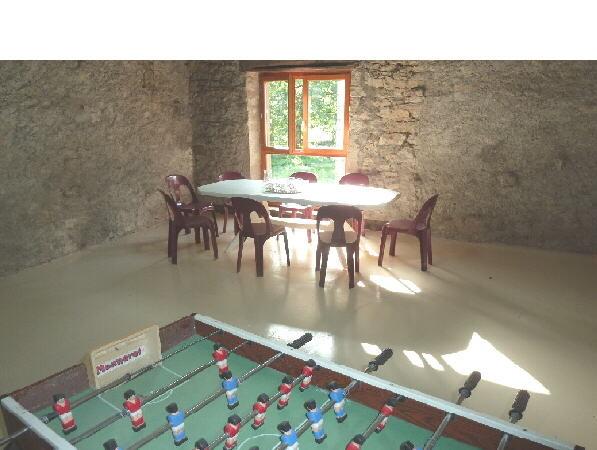 La grange - salle de jeux attenante au séjour