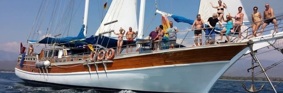 your-yacht.eu cabin charter people on a sailing gulet