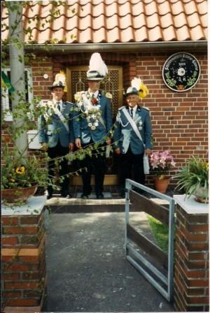 2004 König Jens Hesebeck mit Frank Uttich und Hermann Stahlbock