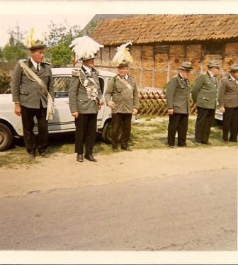 Jahr unbekannt, Bernhard Grönecke, links Friedhelm Maatsch, rechts Adolf Schulze