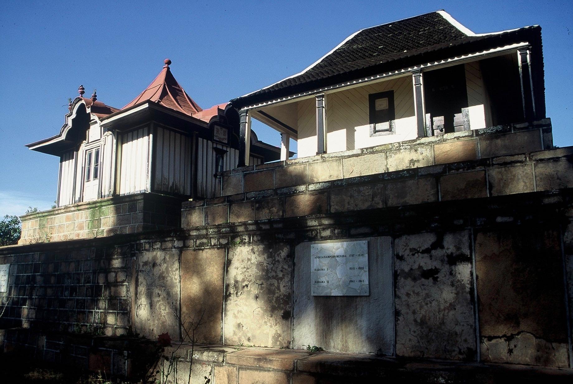 Tombeaux royaux à Tananarive