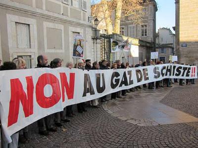 Rassemblement à Cahors du 14/01/12  - Répètons-le : Non au gaz de schiste  ! - photo Schistehappensblog