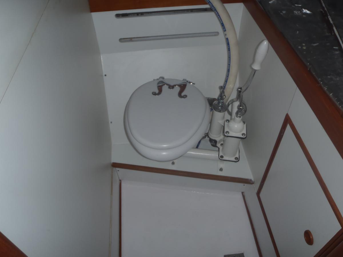 Provisorium ab 2013 - WC schräg und ca. 7 cm zu hoch...
