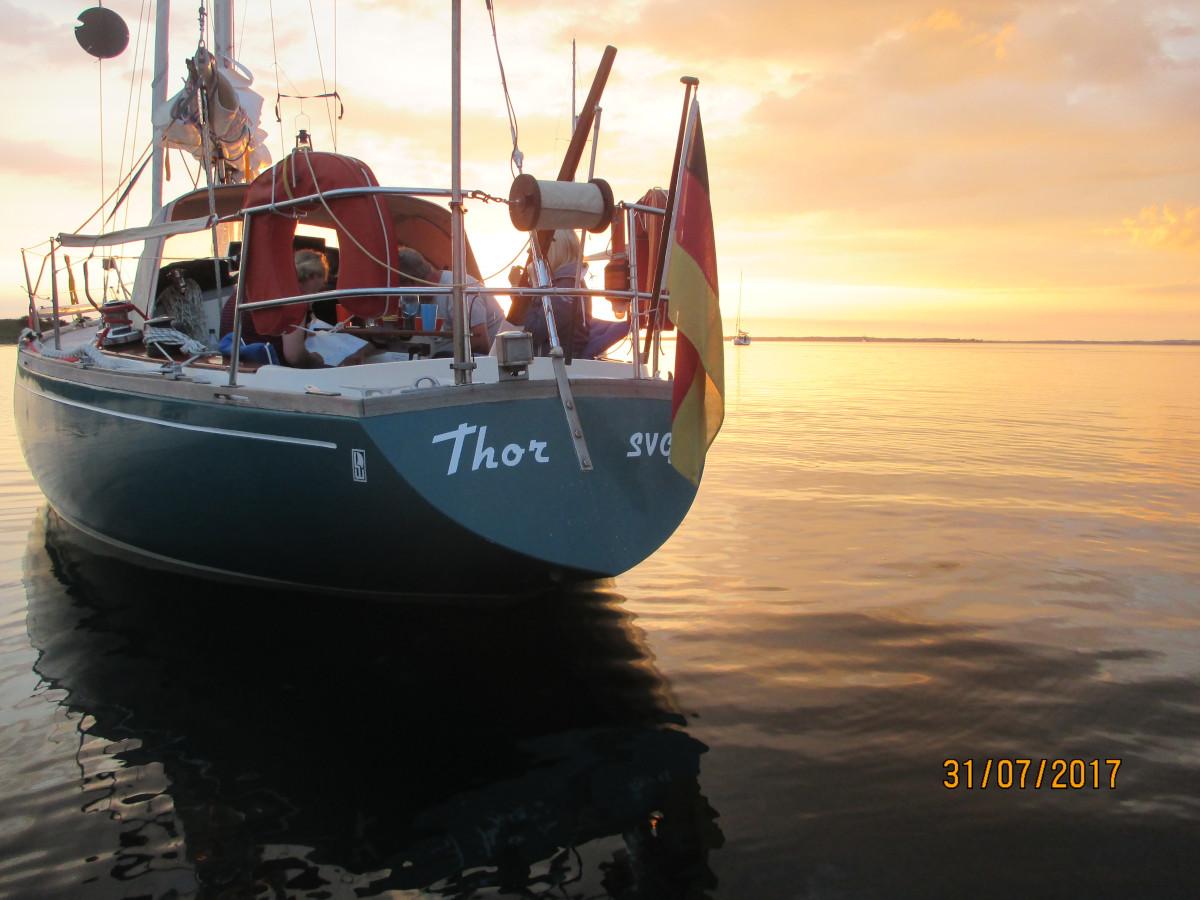 Unsere Nachbar-Freunde: Schickes Schiff