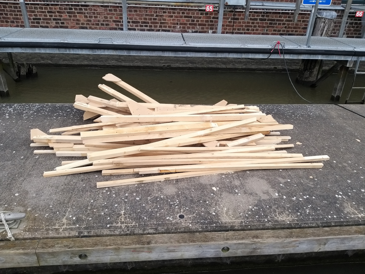 Zum Ende dann ein Haufen Brennholz