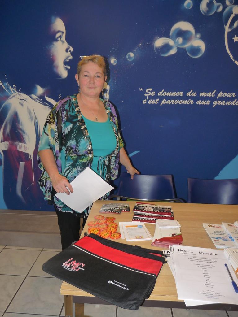 Francine FEIX et son stand LMC France - Strasbourg
