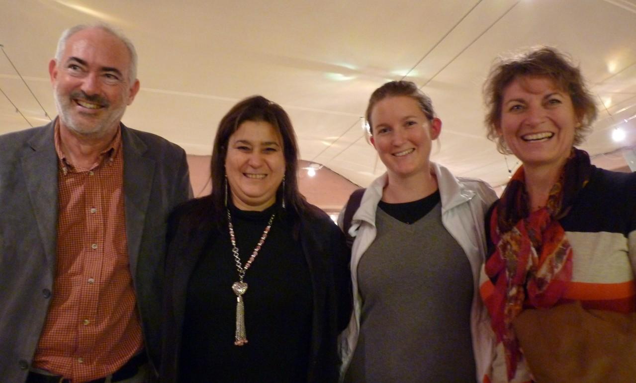 Mina avec Gilles et sa magnifique famille : quatre magnifiques sourires !
