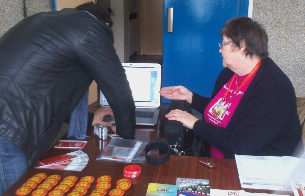 Bernadette MARCHAND et son stand LMC France à Paris