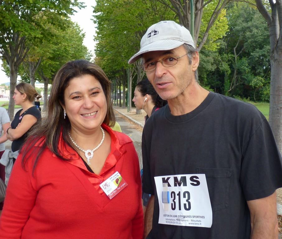 Jean Jacques GOLDMAN, membre d'honneur de l'association LMC France avec Mina DABAN, présidente LMC France