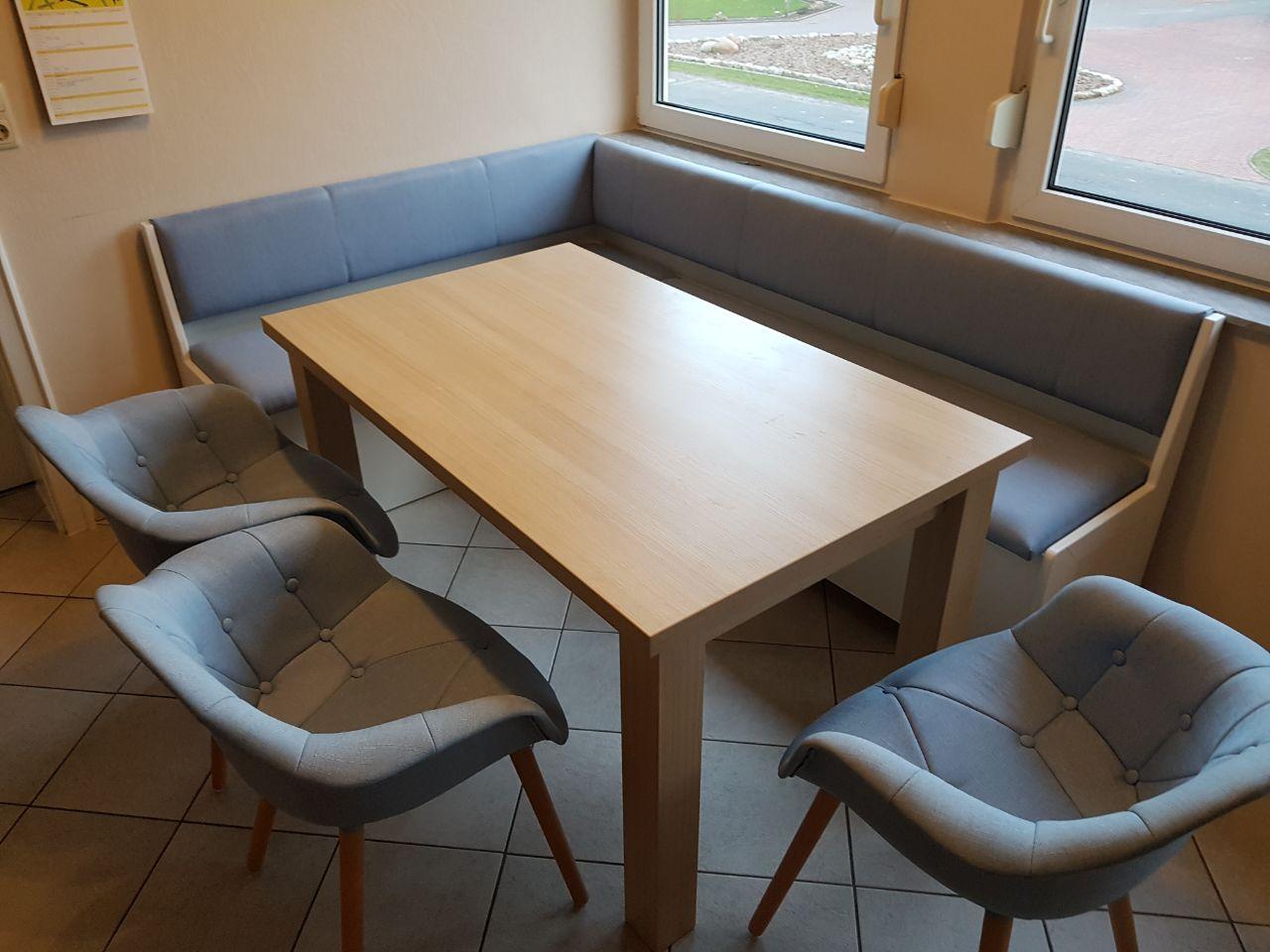 ausziehbarer Tisch und Küchenbank
