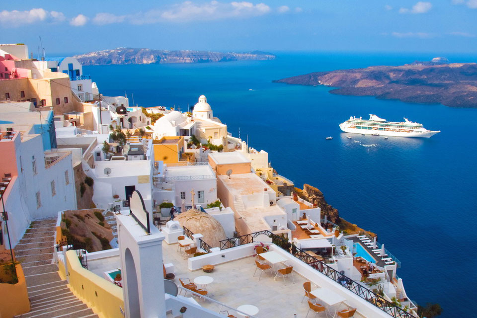 Nave da crociera in Grecia (foto dal web)