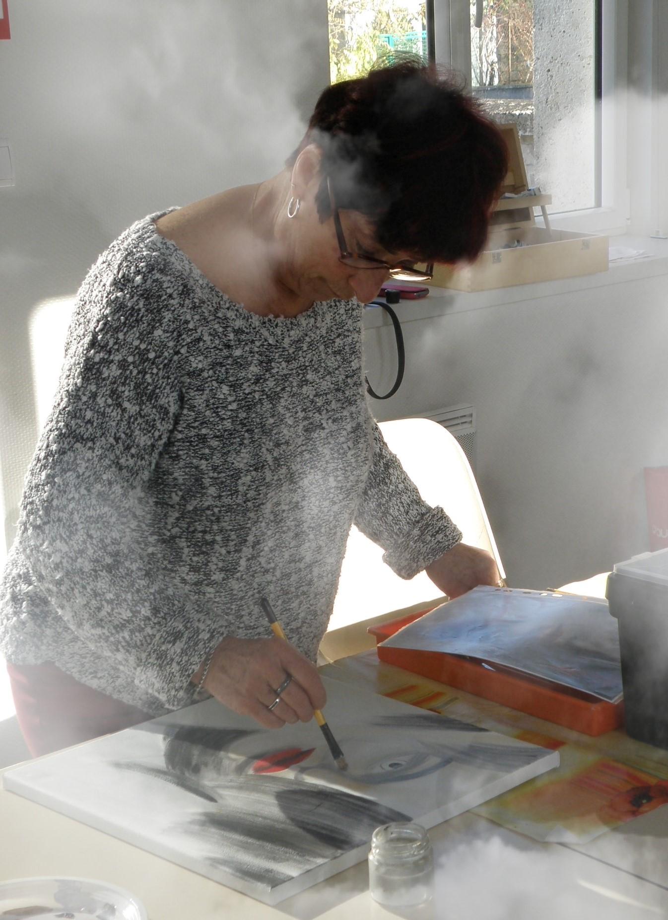 """Jacqueline (Visage d'art moderne) « J'ai chaud!"""" Elle peint et fait son jogging en même temps..."""