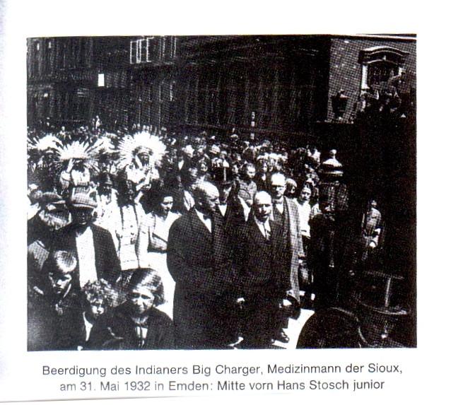 Trauerzug in Emden ( wahrscheinlich Sarrasani Archiv / Quelle: Hartmut Rietschel, Dresden)