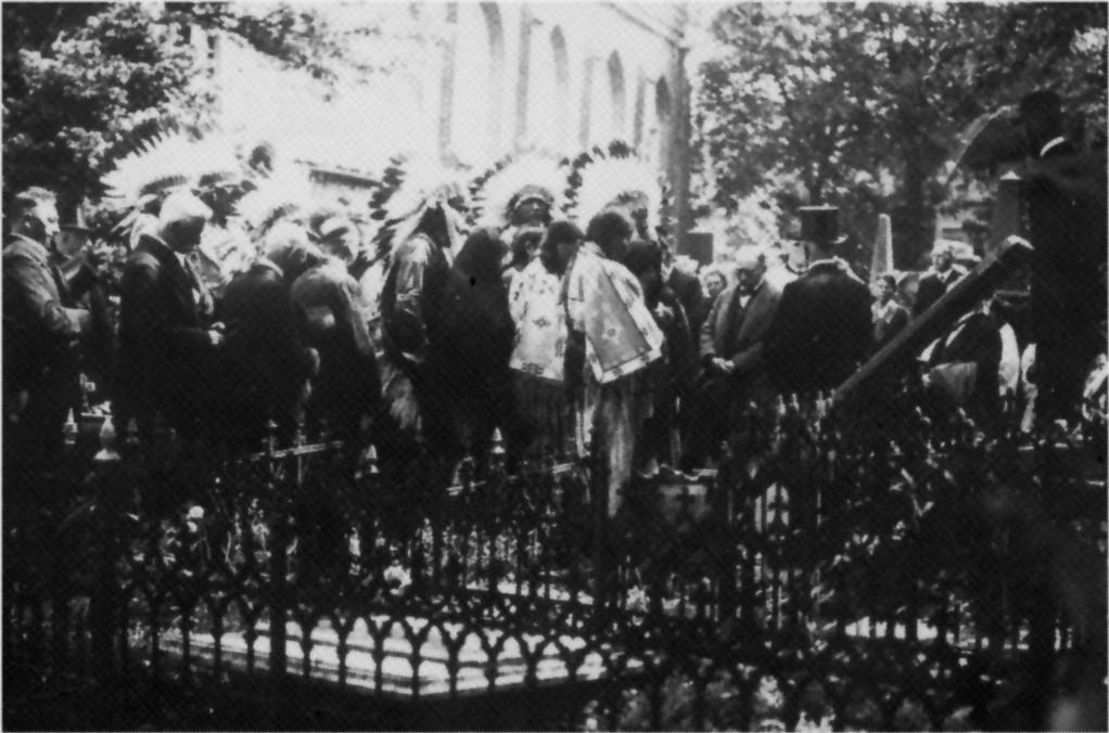 Archiv Dietrich Janßen/Emden ( Trauergemeinde bei der Beerdigung)
