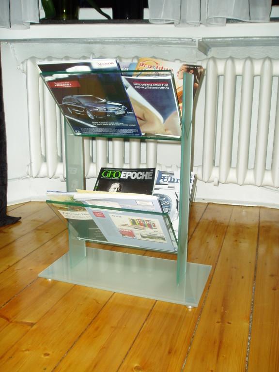 Zeitungsständer aus Glas