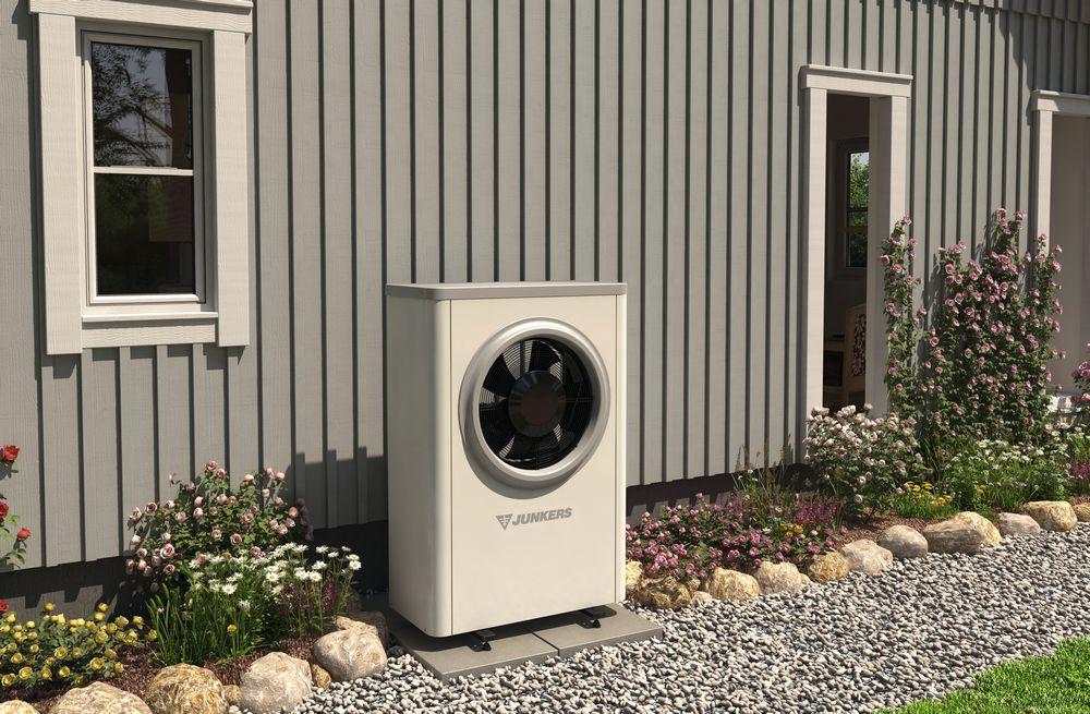 Junkers Luft/Wasser-Wärmepumpe Außenaufstellung