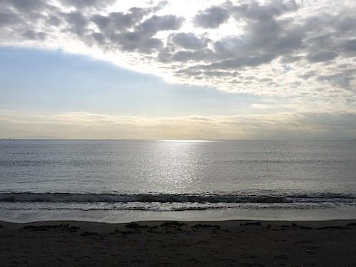 風もなく年内くらいまで海水温も高いので暖か