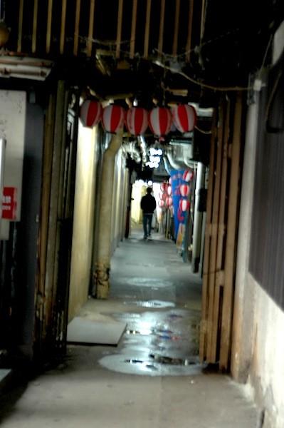 有楽町から幸町の方まで飲食店、事務所などなどあった