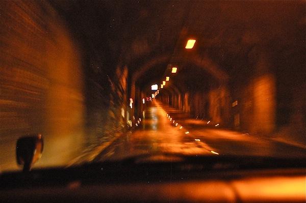 銀山スカイラインはトンネルの中 抜けた時がドラマチックだぞ