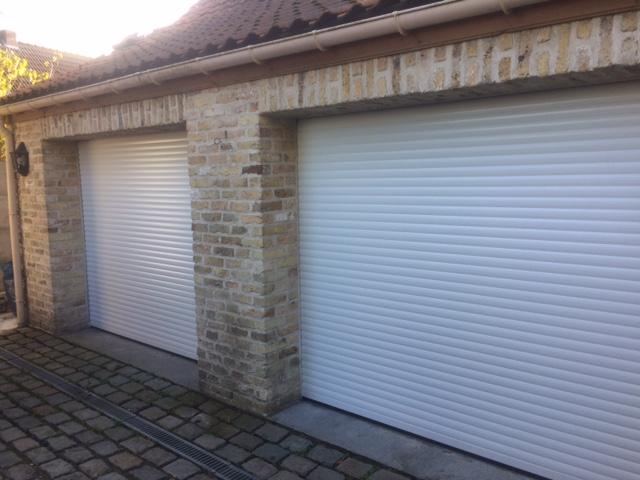 BR STORES installe des portes de garages enroulables.
