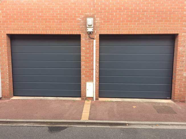 Pose de 2 portes de garage à Coudekerque-Branche. BR STORES