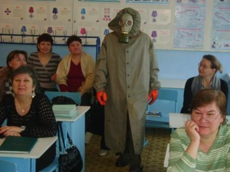 Занятие по ГО для учителей провел Ахияров И.М.