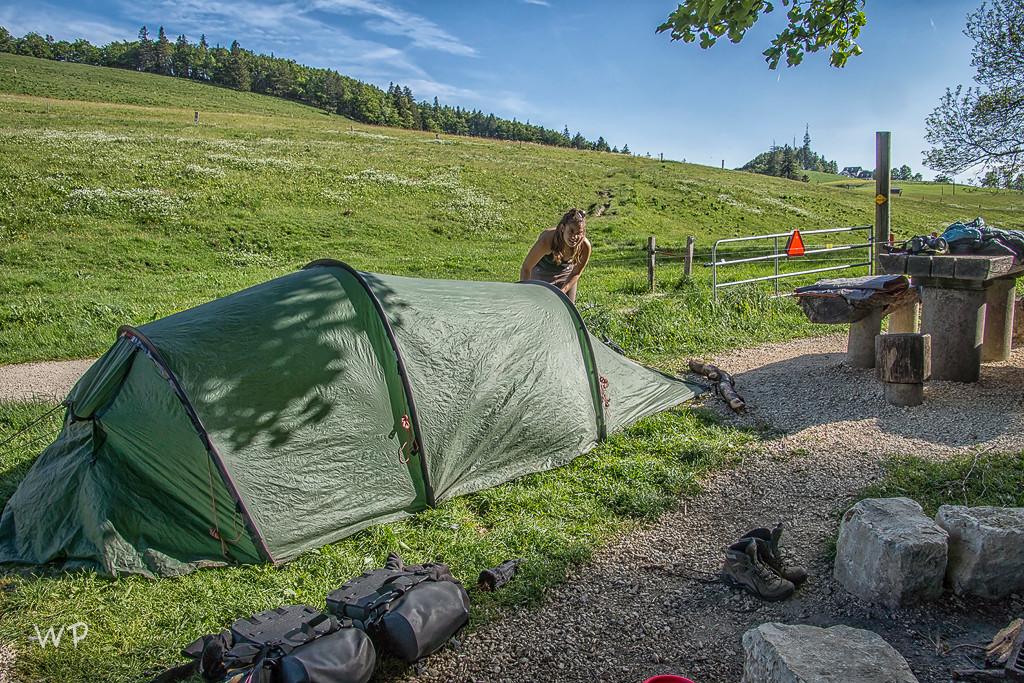 Das Zelt ist ruckizucki aufgestellt