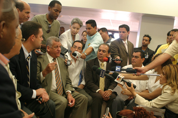 Mayor's press conference (Puerto Rico, 2006)
