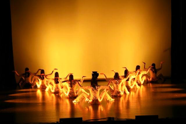 Danse pharaonique - groupe Khaled Seif 2008