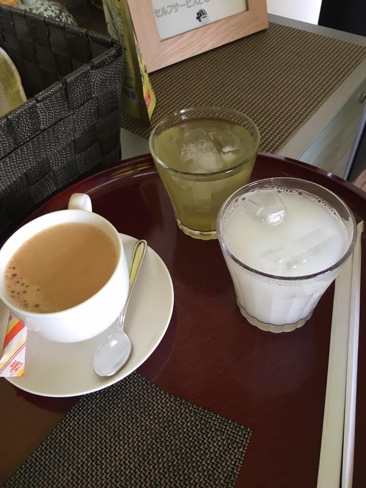 挽き立てコーヒー、アイスグリーンティー カルピス