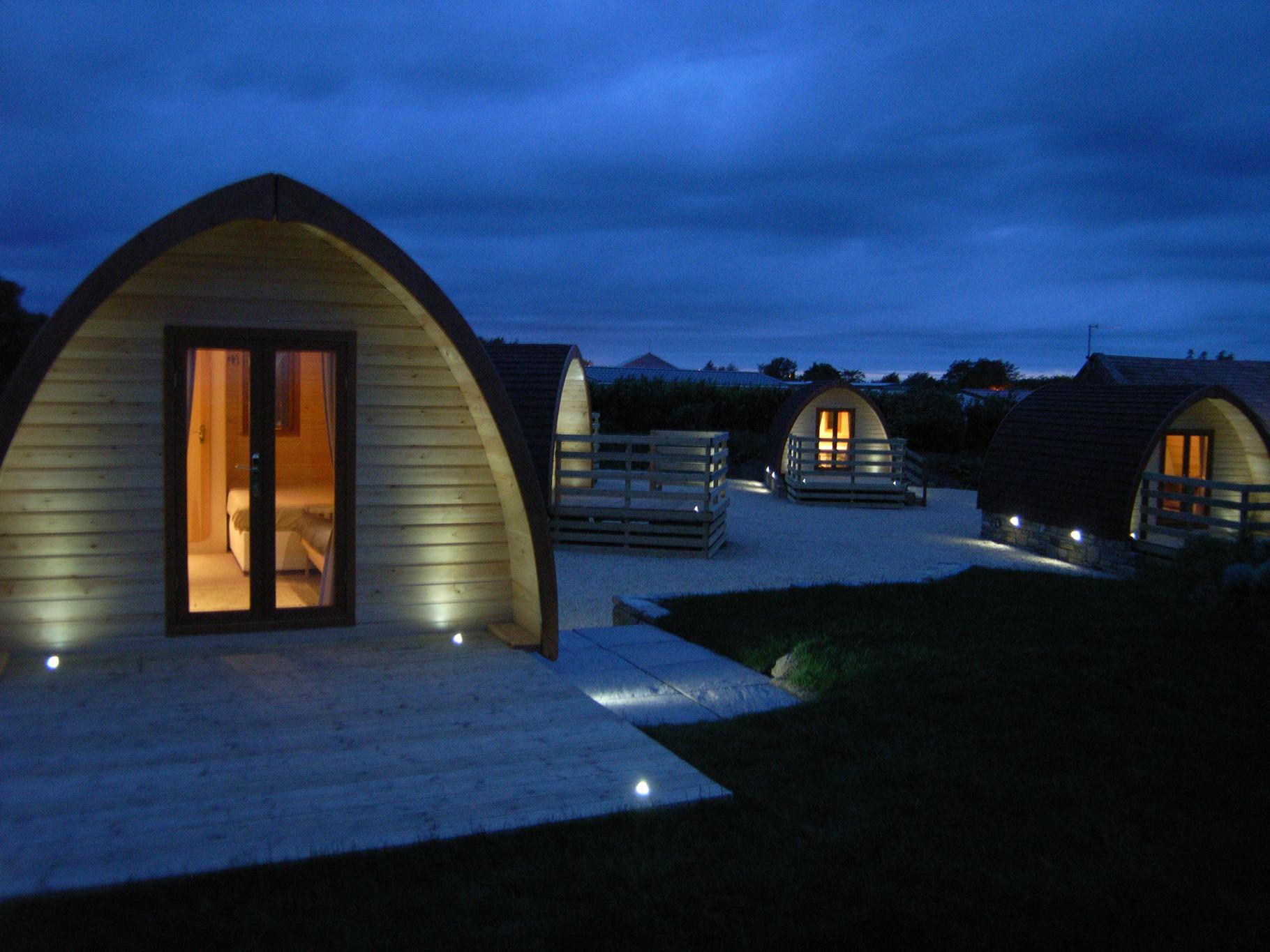 prix du pod et du megapod un mobil home en bois au. Black Bedroom Furniture Sets. Home Design Ideas