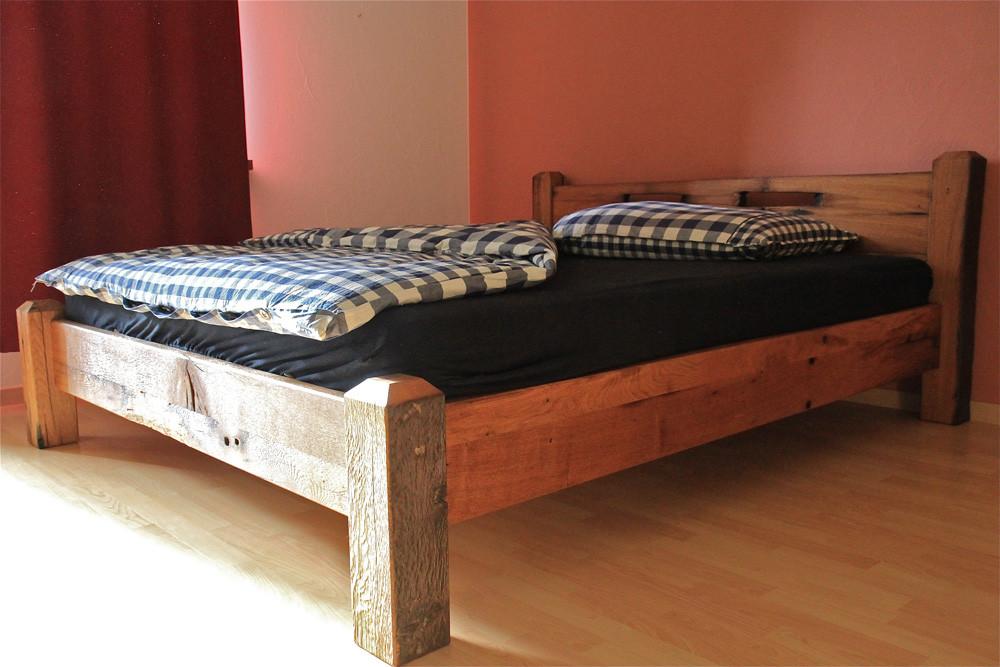 betten aus altholz lumnezia design m bel mit seele. Black Bedroom Furniture Sets. Home Design Ideas