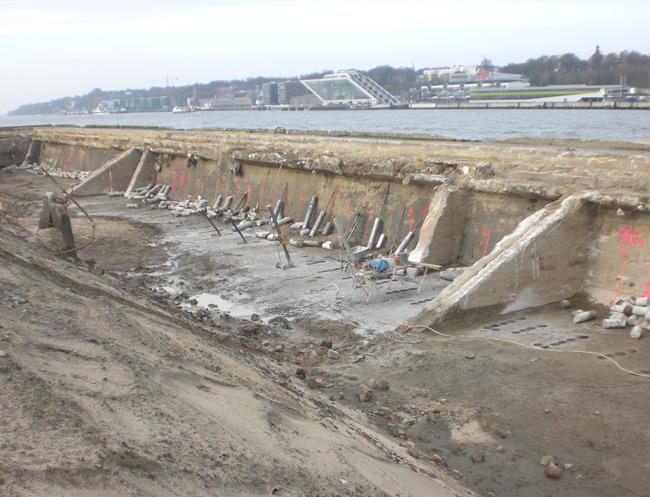 BSNG Betonbohr- & Sägetechnik Neustadt-Glewe - Bohrung Kampfmittel-Kaimauer
