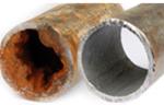 錆びた配管ときれいな配管の写真