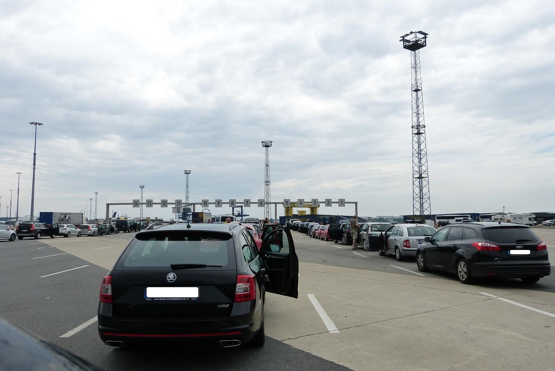 in Rostock.... warten auf die Fähre