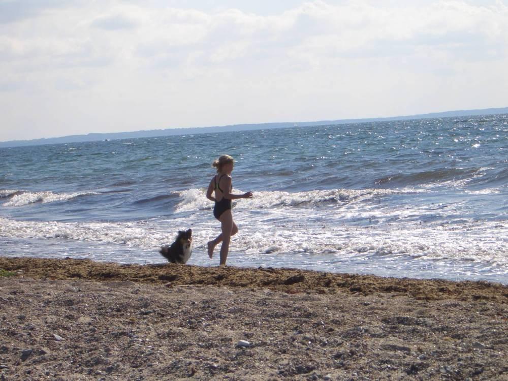 nun läuft auch Alicia ins Wasser