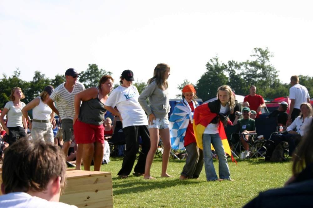 20.07.07 - noch eine kleine Tanzeinlage bei der Siegerehrung