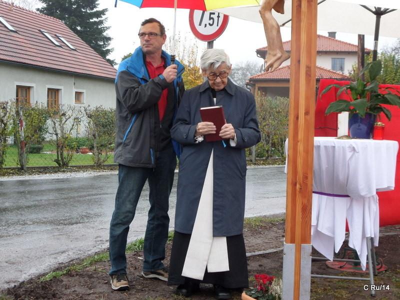 Der Gerhard führt in eh hin zum Kreuz.