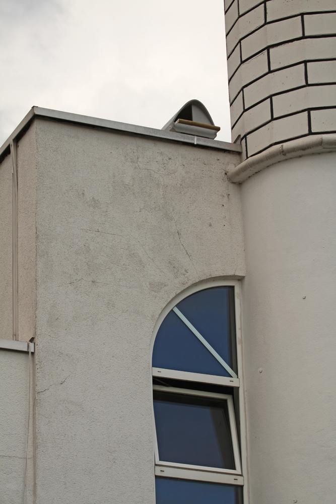 Neben dem Minarett darf der Turmfalke einziehen