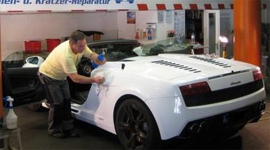Lackreinigung und Lackpolitur folgt in der innovativen Fahrzeugaufbereitung eine Lackversiegelung