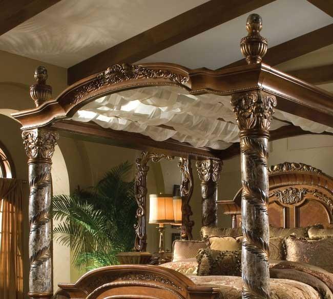 Cama de madera con dosel michael amini villa valencia - Camas de madera antiguas ...