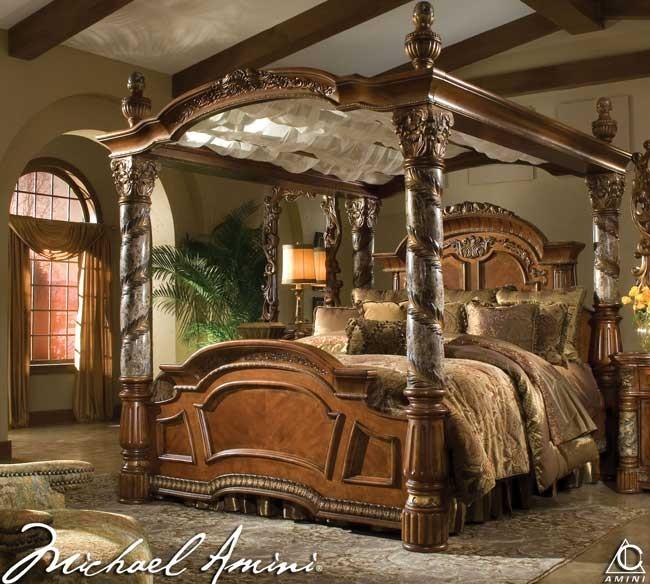 Cama de madera con dosel michael amini villa valencia for Disenos de espejos tallados en madera