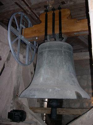 Nun hängen die Glocken wieder.