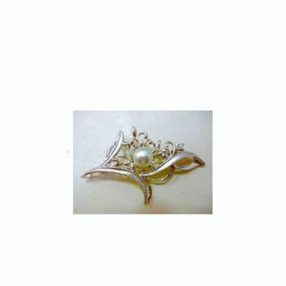 真珠のブローチ 1珠から3珠に真珠を増やすリフォーム