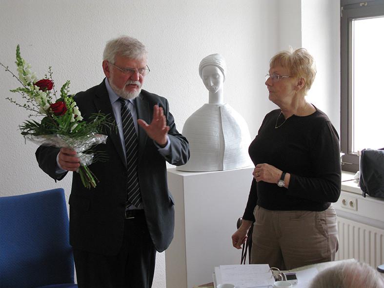 Gunter Seifert und Dr. Helga Schmidt
