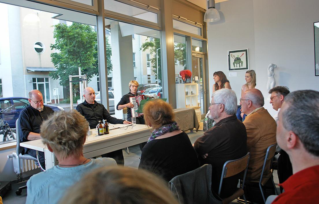 15. Juni 2014: Szenische Lesung von und mit Olaf Stoy, Jan Rose und Friedrike Möckel (Akkordeon)
