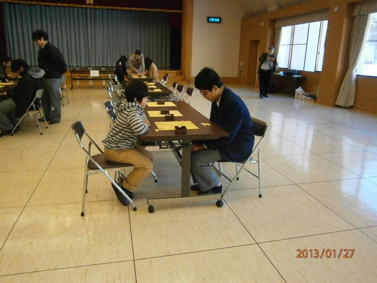 大会1時間前から熱心に練習対局。軽井沢高校強豪1年VS東京の小学生