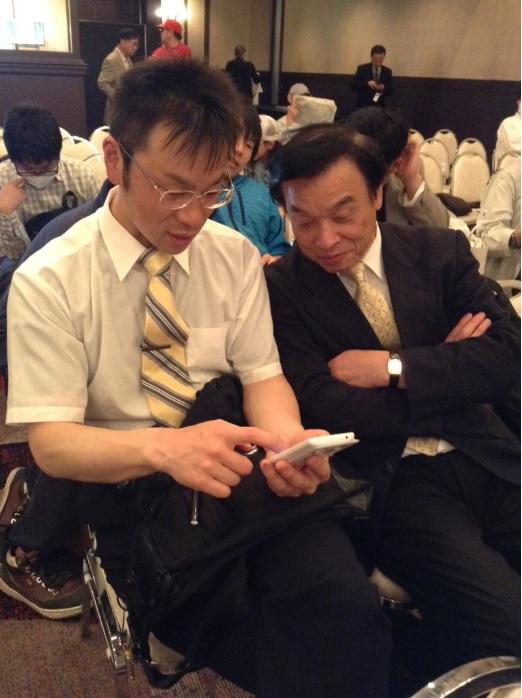 諏訪支部、支部長の高山さんとやはり諏訪支部で強豪の三浦さんは最初から最後まで二人で仲良く検討していました(山梨の内藤さんより)
